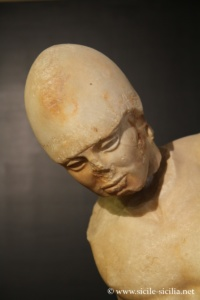 agrigento-museo-archeologico-torse-guerrier-style-severe-210
