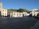 Piazza umberto I, palazzo adriano