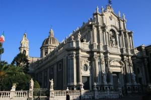 Piazza Duomo e cattedrale di Catania