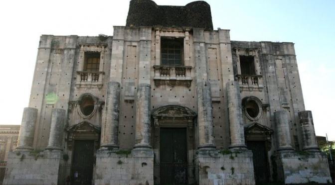 San Nicolo l'Arena, Catania, Piazza Dante