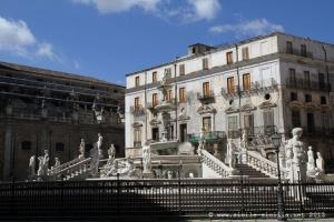 piazza pretorio, palermo