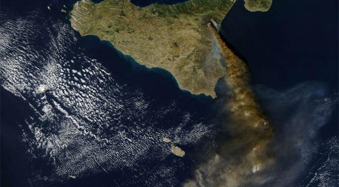 Photo satellite, éruption de l'Etna